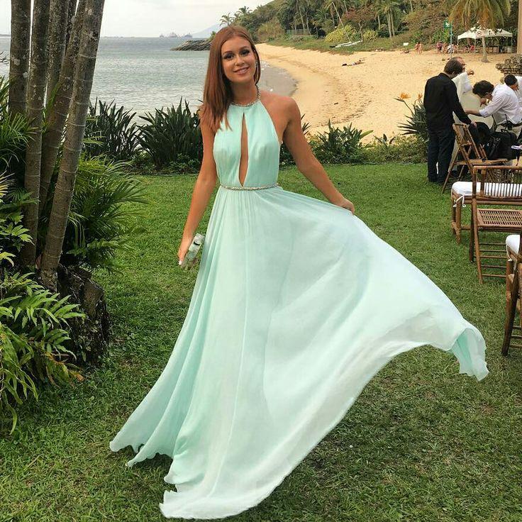 Marina Ruy Barbosa, vestido longo, de festa, casamento, cor verde.