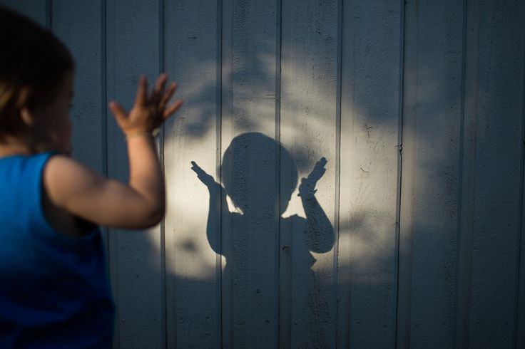 © Anna Sandström Foto | Shadow play in our back yard!
