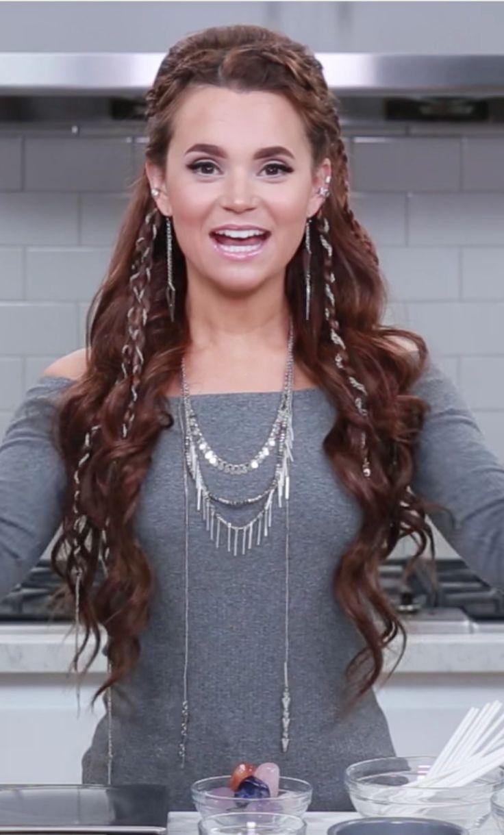 Rosanna Pansino with her elvin hair