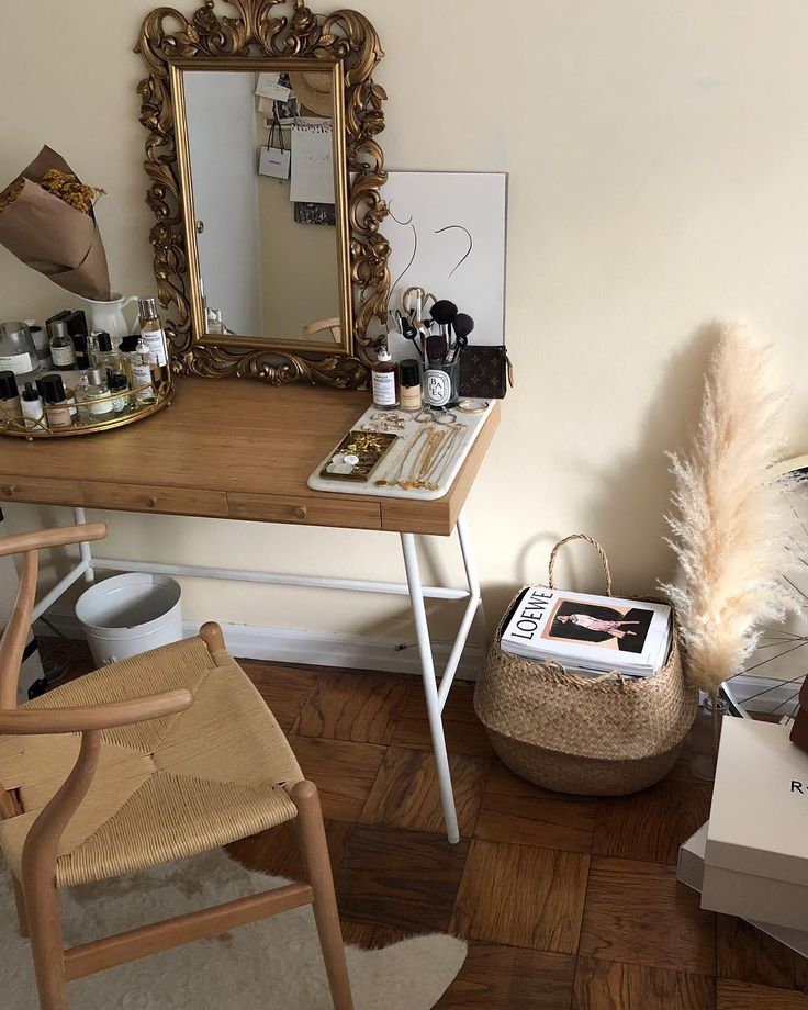 ikea desk, wishbone chair, syroco mirror and Pampas Grass – Saldinc