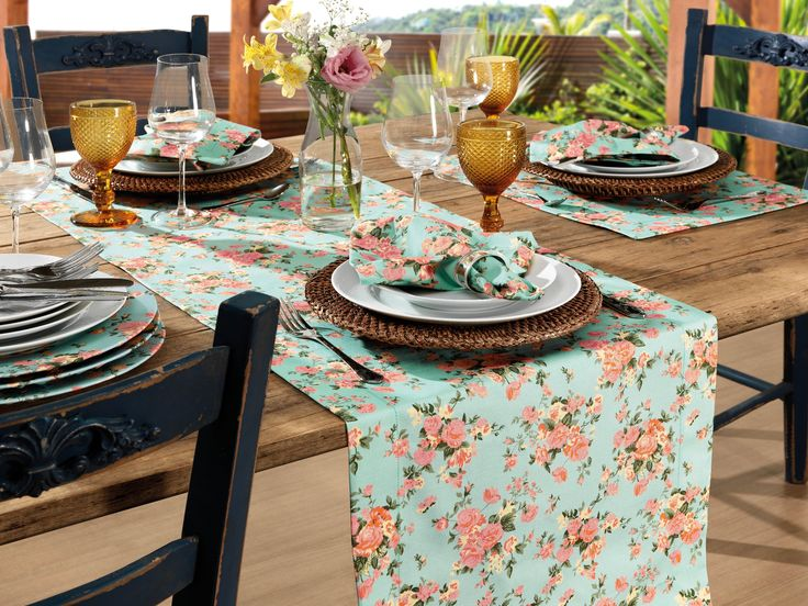 Kitchen Table With Leves