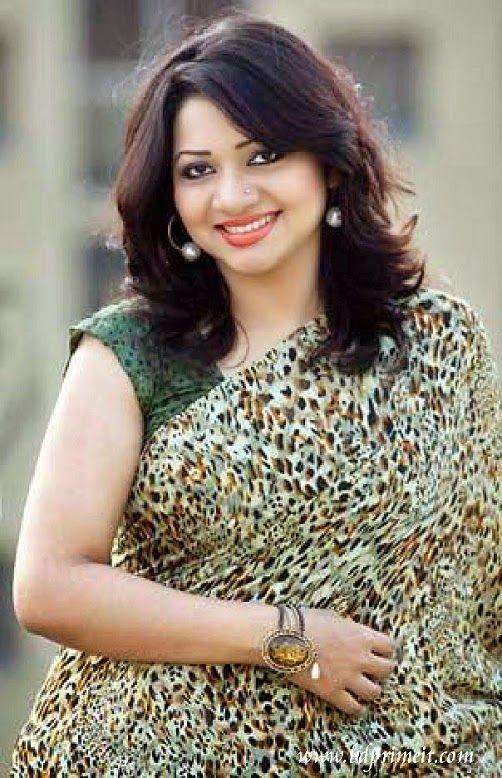Bangladeshi Singer Akhi Alamgir photos images. http://www.bdprimeit.com/2015/04/akhi-alamgir-wiki-biography-songs-photos.html