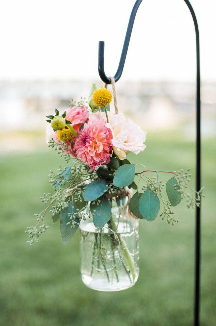Rustic Summer Wedding By The Sea – Traumeisterin – Hochzeitsrednerin für freie Trauungen mit Gesang
