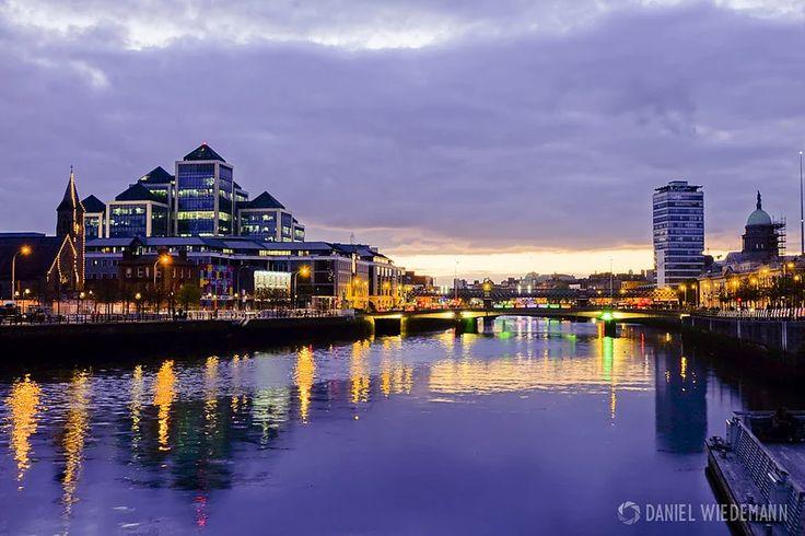 Localizada à costa leste da Irlanda, vive uma cidade cheia de luzes e monumentos. Dublin, a capital irlandesa, surpreende quem tem fome de história e encanta c