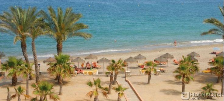 L'Hotel Vera Playa Club, situato sulla spiaggia di Vera #Playa, sulla Costa De Almeria in #Spagna, offre una palestra attrezzata, piscine coperte e all'aperto, vasca idromassaggio, campo da mini golf e una fantastica terrazza solarium attrezzata con comodi lettini circondati da grandi palme. https://www.hotelsclick.com/alberghi/spagna/vera-costa-de-almeria/33270/hotel-vera-playa-club.html