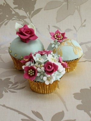 Vintage Cupcakes | vintage cupcakes made for Mothers Day