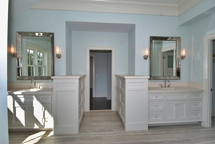 Layout of sinks and cabinets