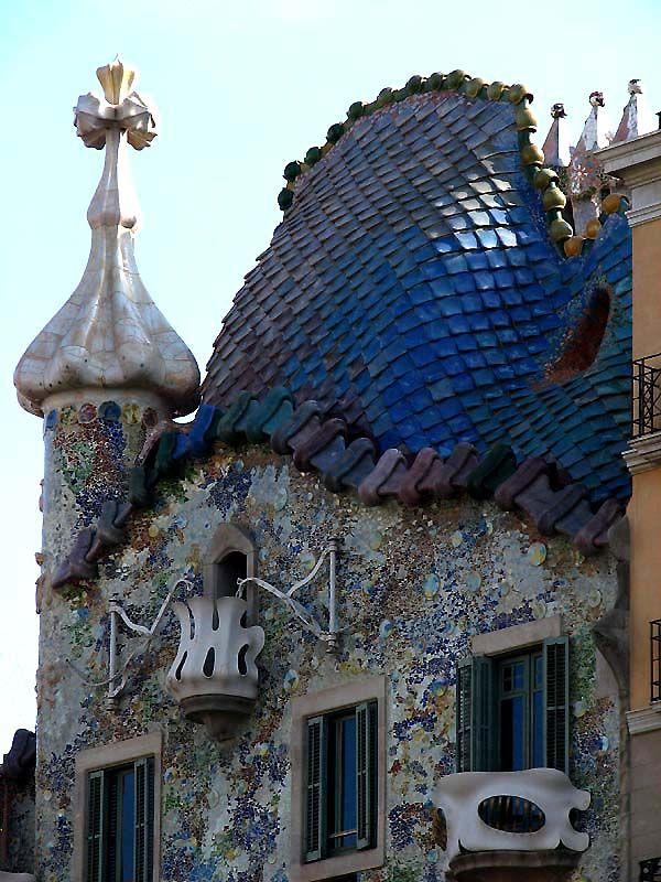 Josep Batilo Casanovas asked Antoni Gaudi to rebuild his ...
