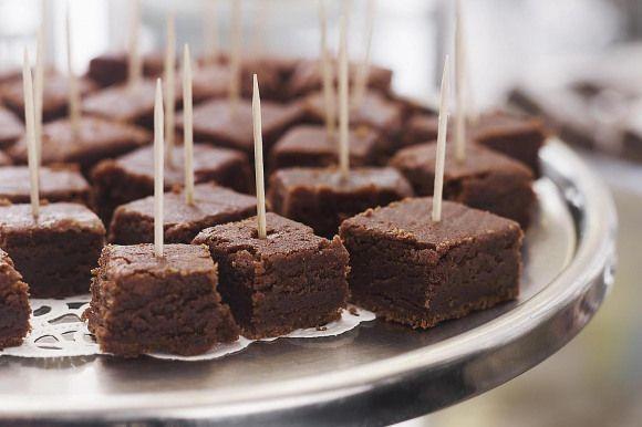 Wenn Sie frische feuchte Schokoladen-Brownies lieben aber es hassen sich