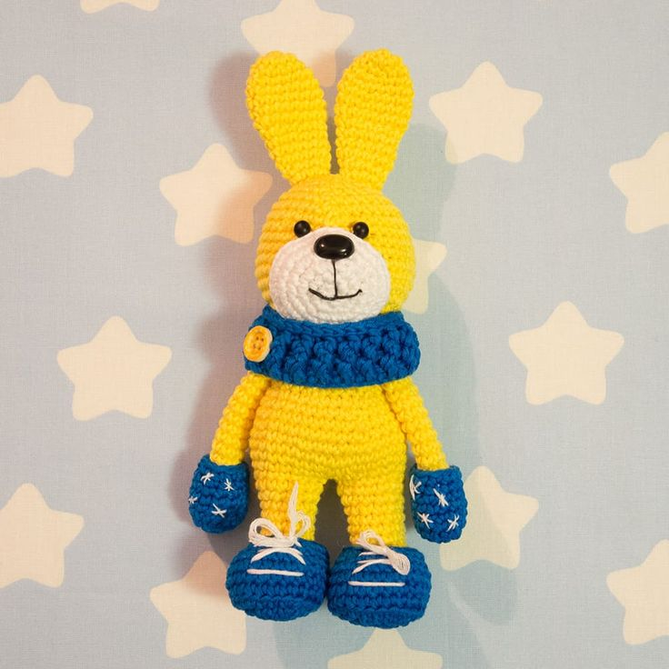 Let's crochet a honey bunny wearing a beautiful soft snood, mittens and winter boots. It's about 21 cm tall including ears - nice size for endless cuddles!