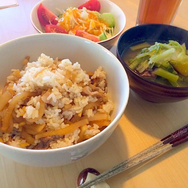 多分材料費100円いってない…! - 9件のもぐもぐ - 大根ごはん、さつまいも味噌汁、サラダ! by hanaruya9041