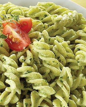 Receta de pasta de tornillo con cilantro y chile poblano. Deliciosa pasta con un rico sabor picosito ¡Te va a encantar, apunta los ingredientes!