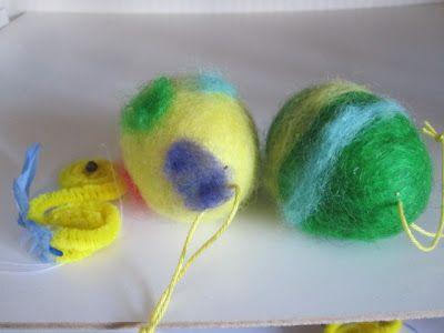 Min Naturliga Sida: Tovning. Ägg tovade i strumpbyxa i tvättmaskin. Gjorda på förskola.