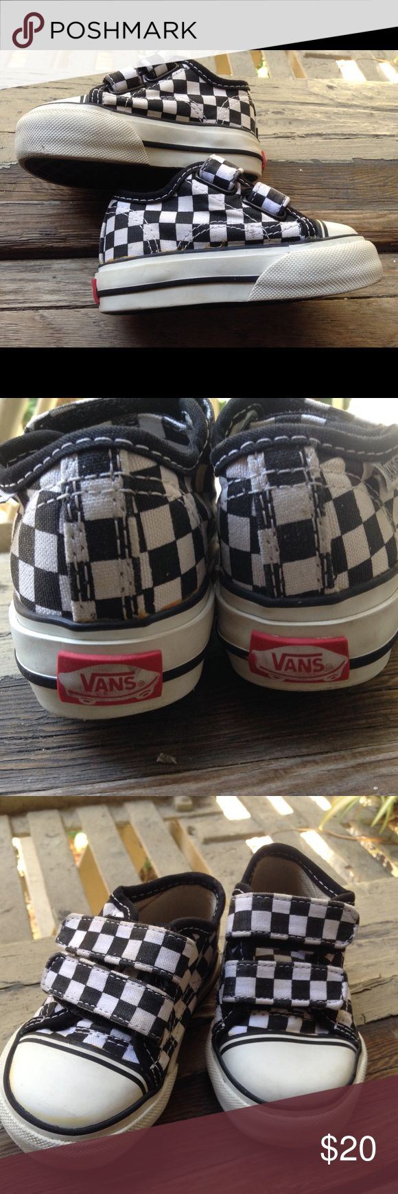 "Black & White Check Velcro Toddler Vans Excellent Condition . Black & White Check Velcro Vans. Toddler Size 4. Measures: 5 1/2"" Long / 2"" Wide. Very Cool Kicks Vans Shoes Sneakers"