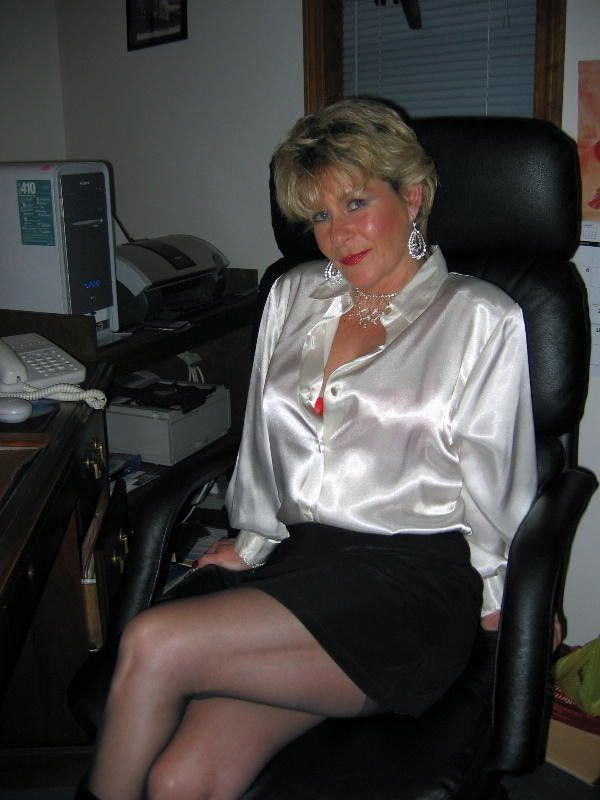lydia single mature ladies Sexy grandma - hot hottie older mature woman  enjoy.