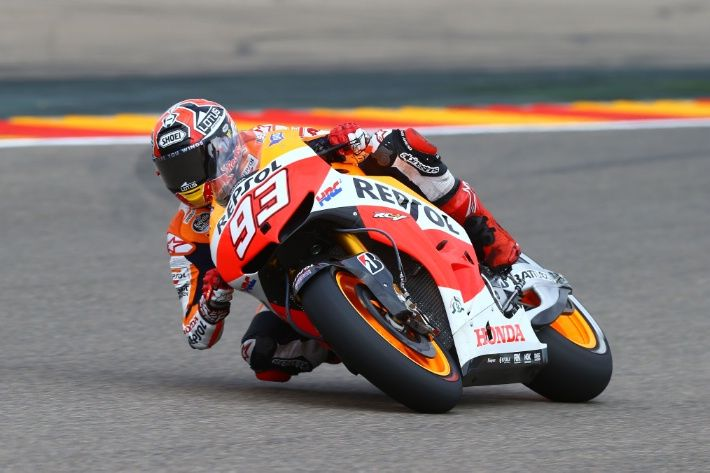 Valencia MotoGP: Late Marquez lap edges out Lorenzo