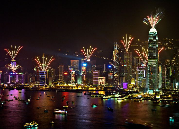 Here on this article we share with you Hong Kong New Years Eve 2016 Party Places, Hotel Packages, Travel Ideas with where to watch live streaming of New years Eve Fireworks and celebration of Hong Kong. Hong kong is one the best place celebrate New Years eve after the Singapore and Tokyo. In Hong Kong