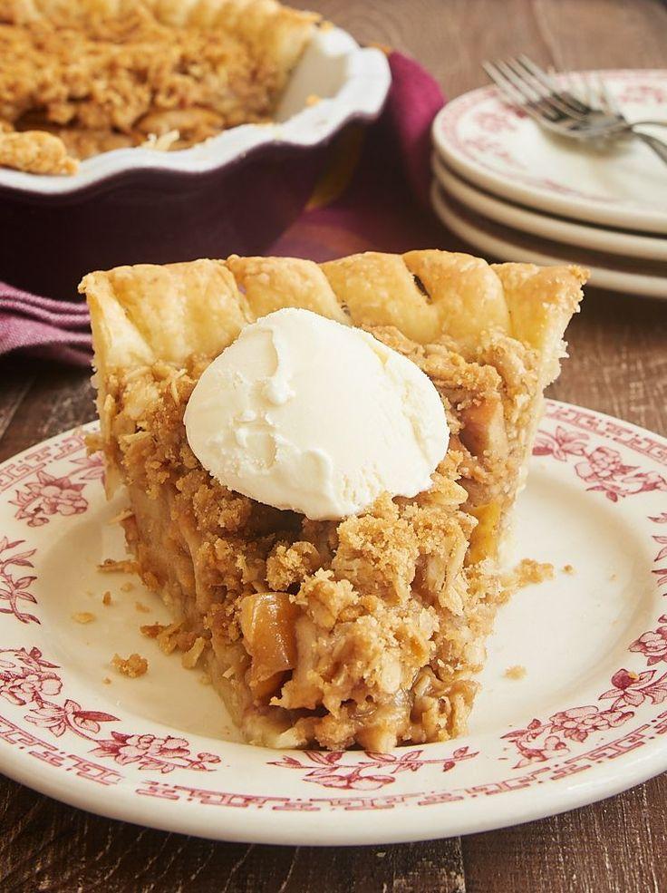 Apple Crumb Pie combines sweet apples and a cinnamon crumb topping for an unforgettable dessert! - Bake or Break ~ http://www.bakeorbreak.com