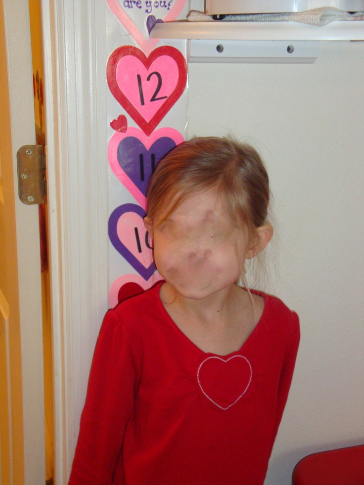 How many hearts tall are you?  Using non-standard measurement.  Fun for any holiday/theme.: Classroom Ideas Winter, Math Ideas, Cool Ideas, Prek Valentines, Daycare Valentines, Llps Valentines, Creepy Picture, Lego