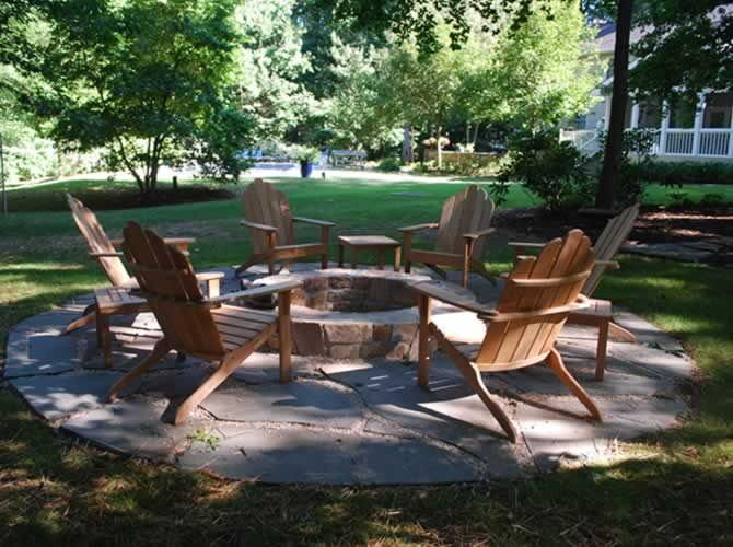 Fire pits: Back Yard Fire Pit, Adirondack Chairs, Pit Ideas, Outdoor Spaces With Fire Pit, Diy Craft, Fire Pit Area, Backyard, Fire Pit Back Yard, Pit Patio