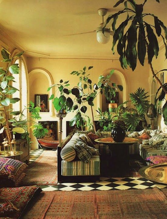 Best 25 yellow walls ideas on pinterest yellow walls for Jungle living room ideas