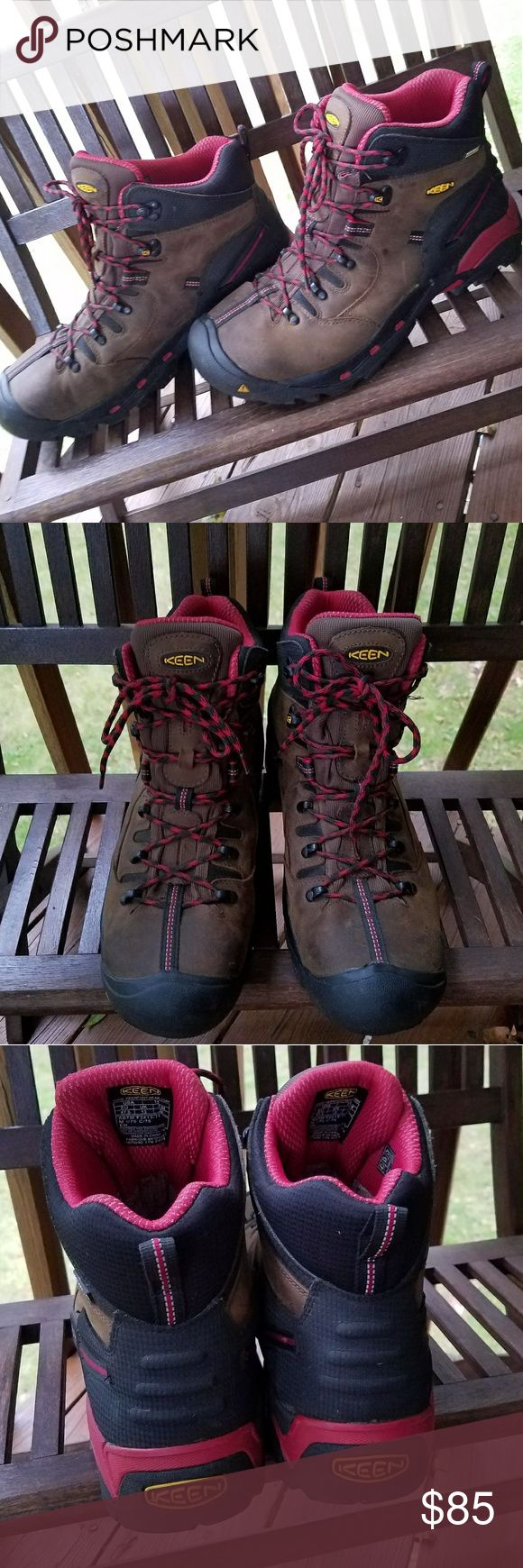 """Keen Steel Toe Hiking Boots Mens Keen """"Pittsburg """" steel toe hiking boots No box **Sz 14 but run small= fits sz13-13.5 EXCELLENT CONDITION  No damage.few marks only Worn for 2 days Not even any sock fuzzys inside! CLEAN & ready to use Meets all safety standards Top rated for waterproof,safety,comfort  Pd $160 @cabelas Trade val 100 BUNDLE TO SAVE$ Keen Shoes Boots"""