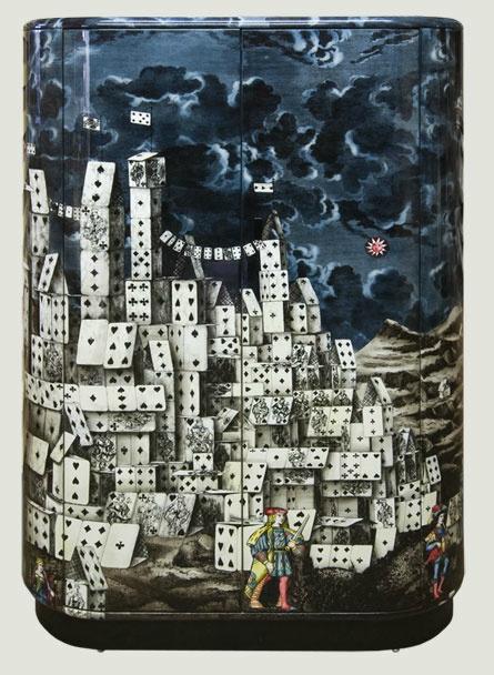 """Curved Cabinet """"città delle carte"""". Piero Fornasetti"""