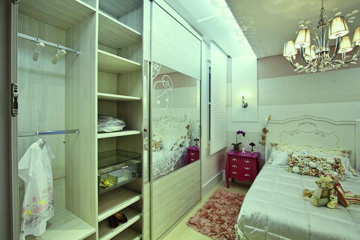 Artesanato Viviane Magalhães ~ Quarto de menina vintage Guarda roupas (armário) com adesivo branco no espelho So Sweet