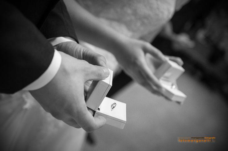 Quando io ti amo e tu mi ami, siamo l'uno come lo specchio dell'altro,e riflettendoci l'uno nello specchio dell'altro, vediamo l'infinito. Leo Buscaglia  #destinationwedding #bride #groom #weddingphotographer #fotografo #matrimonio #weddingreportage #weddingreporter #anfm #fearlessphotographers #wps #Gettingmarried #fotografomatrimonio #weddingdress #casemento #weddingday #justmarried #lovestory #loves_united_portrait #anfmshare
