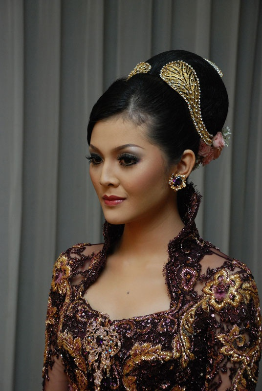 Indonesian Wedding Dress And Makeup Bridal Make Up
