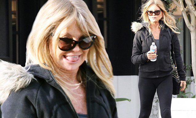 Goldie Hawn dons athleisure wear for lunch with daughter Kate Hudson