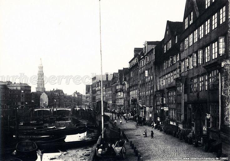 Bilderbuch Hamburg - Kehrwieder Brook mit Blick auf St. Katharinen