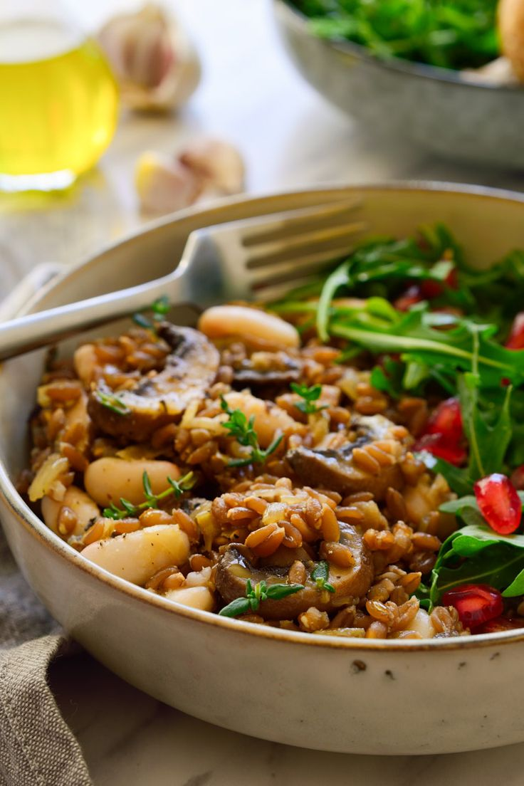 This mushroom farro recipe is great served as a healthy side dish or a hearty vegan main. It's simple to prepare with minimal yet flavour-packed ingredients.