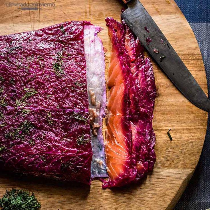 Salmón marinado al estilo nórdico o gravlax con remolacha