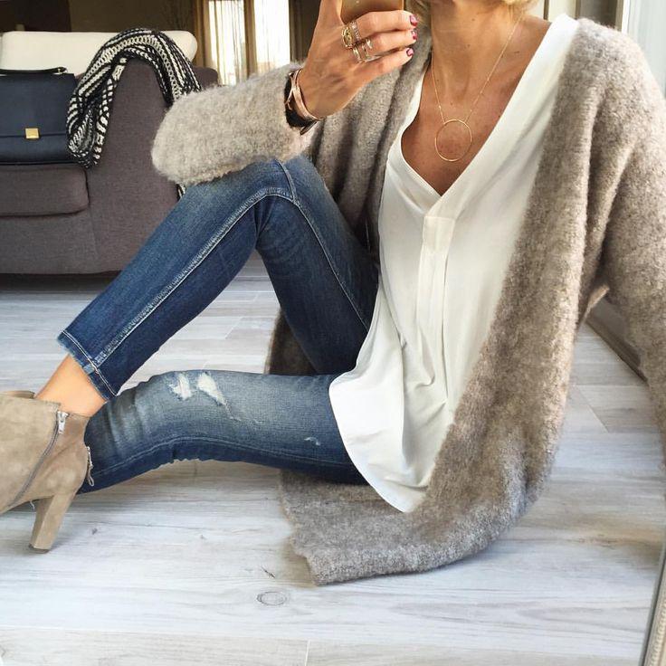 "AnneSo on Instagram: ""Today's #ootd #outfit #lookoftheday #totallook #todayimwearing Gilet#ouifashionofficial Blouse#hm Jean & Echarpe #zara#zaradaily Boots#sachashoes Sac#celine#celinetrapeze #trapeze Bijoux#lesfeesmere #myabay #kaptenandson #loueven #dinhvan #pimkie #fwis #igers #igstyle #igfashion #fashionista #fashionstyle #stylish #stylepost #styleoftheday #streetlook #streetstyle"""