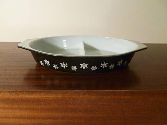 "Vintage 1958 - 1967 JAJ Pyrex Rare ""Black Snowflake"" Pattern 2.5 Pint Divided Vegetable Dish / Casserole Dish / Retro Milk Glass by V1NTA6EJO"
