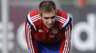 Philipp Lahm ha sufrido una rotura en la articulación del tobillo derecho y será baja por tres meses. Noviembre 18, 2014.