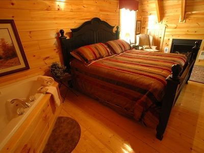 Luxury Smokey Mountain Cabin - HomeAway Pigeon Forge
