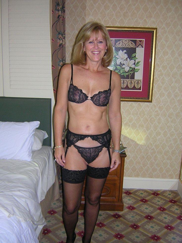 Mrs robinson vintage nylons stockings striptease big boobs - 1 part 3