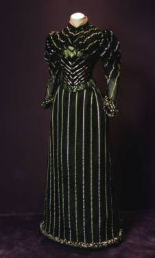 Dress, 1893. Ribbed silk, silk satin, silk crepe, jet beading. Robina, Paris. Permanent loan from the Art Institute of Chicago, gift of Mrs. Potter Palmer II. 1920.429  Artists/Makers 	Robina (Paris, France) (designer)