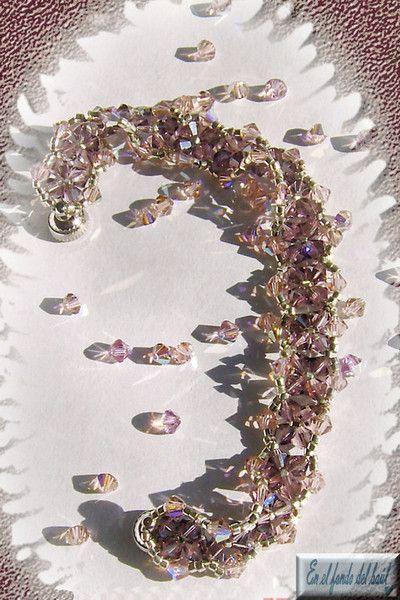 Pulsera Vintage - Tupis de cristal Swarovski en rosa antiguo y amatista satinado con delicas MIyuki plateadas y cierre imantado.