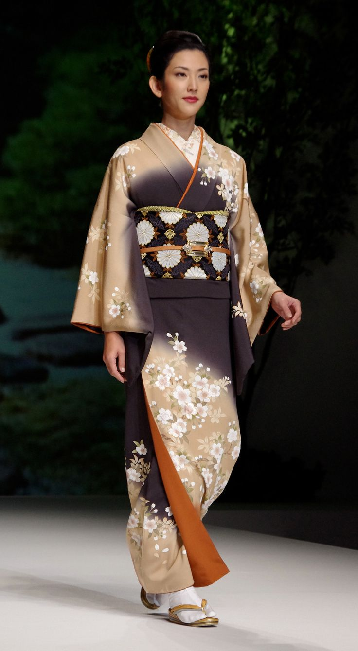 Kimono 6: Yukiko Hanai designed Spring/Summer 2012 Collection. Tokyo, Japan.