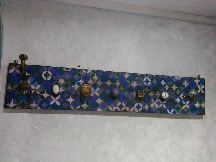 Crafts hand made painted wall coat hanger in vintage style decorated with arabic pattern by RobertaTomei on Etsy