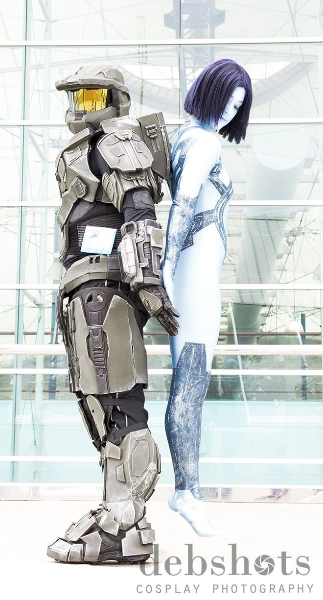 San Diego Comic-Con 2013 - Halo Cortana Cosplay                                                      These are awesome.