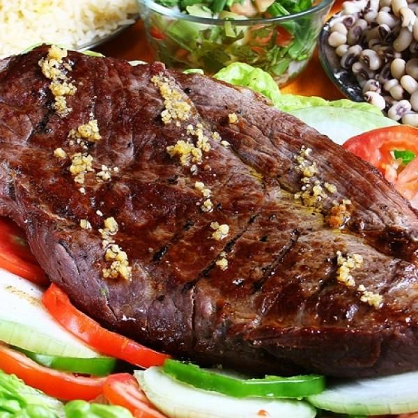 Aprenda a preparar carne de sol com esta excelente e fácil receita.  No nordeste brasileiro existe uma prática comum de conservar carne: salga-se e coloca-se secando...