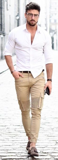 I'd be crabby also if my pants were this tight.