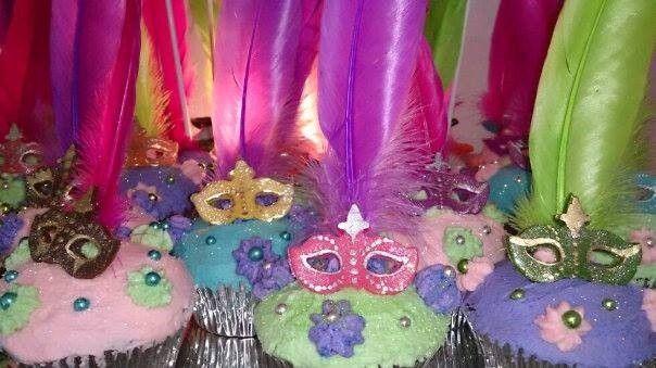 Madame Zingara theme cupcakes - by Bridget