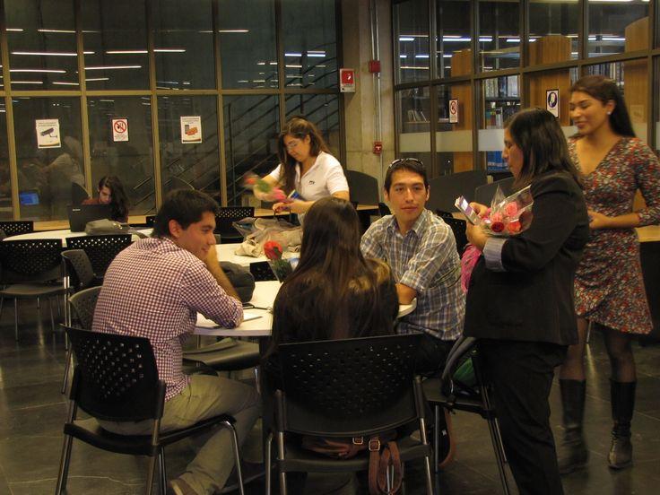 Celebración del Día Internacional del Libro en Biblioteca.
