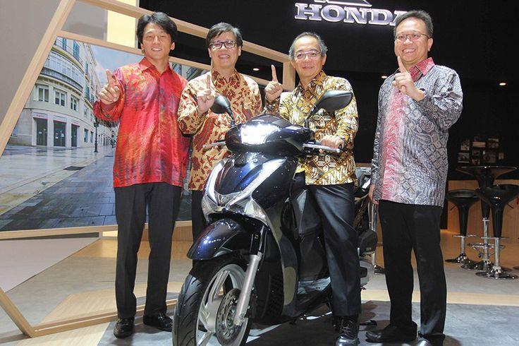 AHM Luncurkan Skutik Premium Bergaya Eropa Honda SH150i