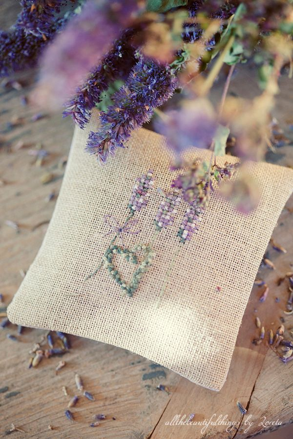"Lavender Sachet - acufactum, from the book ""Lavendelsommer"""